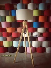 Đèn gỗ ba chân