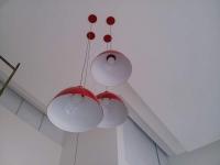 Đèn treo trần bán nguyệt màu đỏ