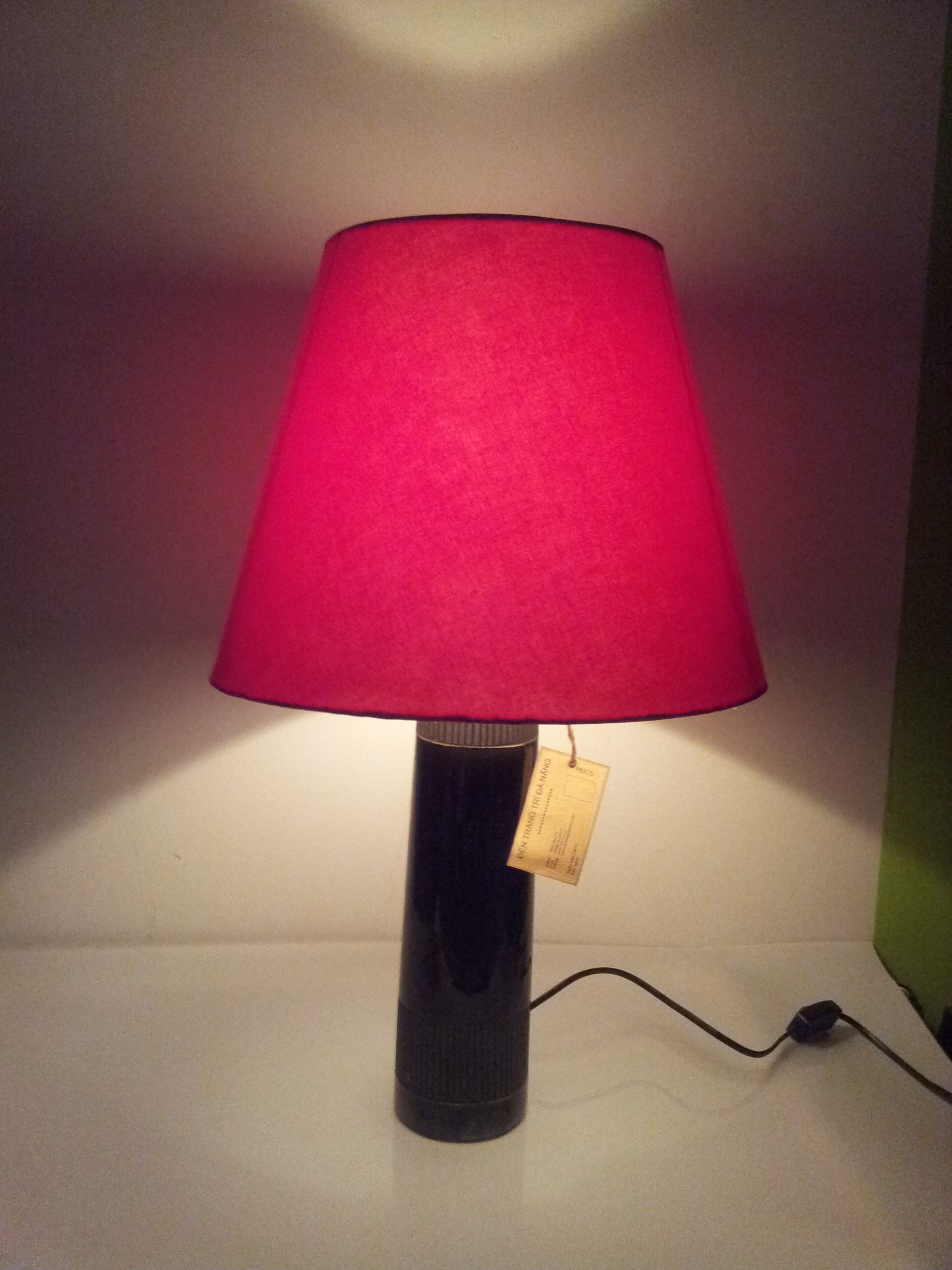 bedroom lamp with red lampshare